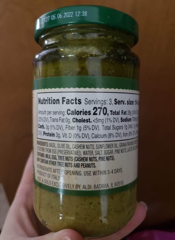 Aldi pesto ingredients | veganscult.com
